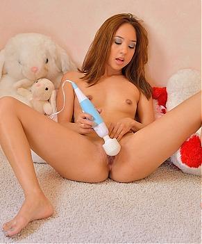 Naked Asian Girls